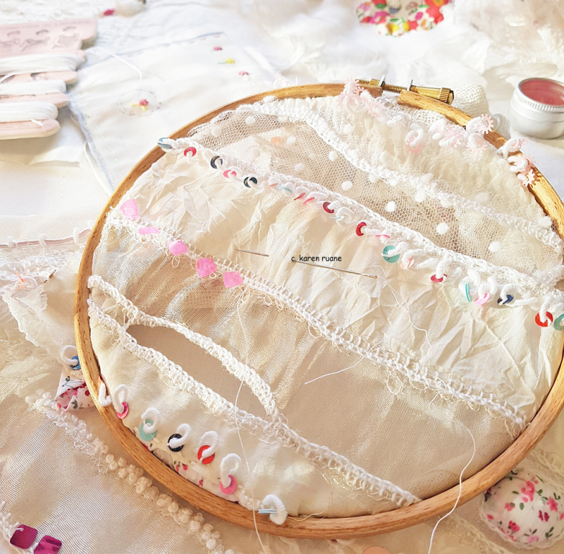 Lace cloth and sequins 3