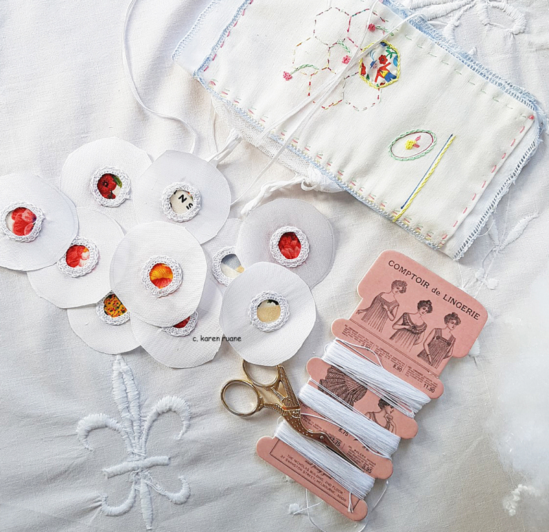 Buttons and puffs 3